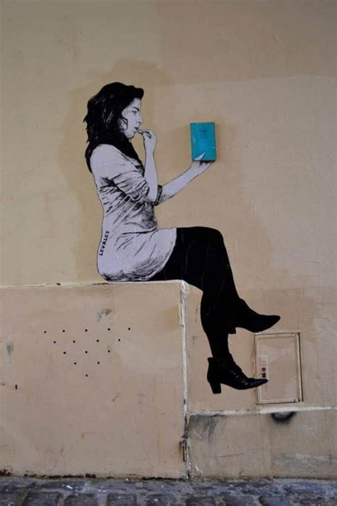 30 examples of street art and murals about books